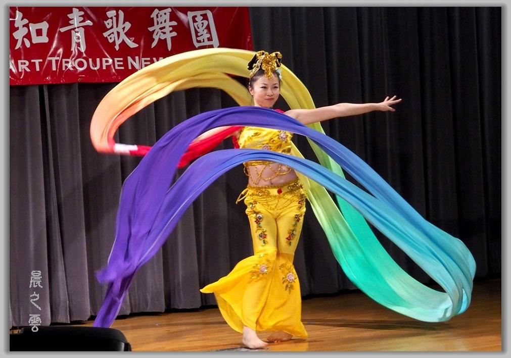 彩绸舞_图1-5