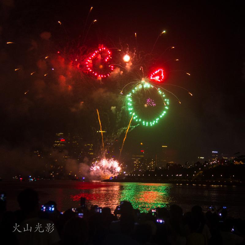 2017悉尼新年焰火秀_图1-6