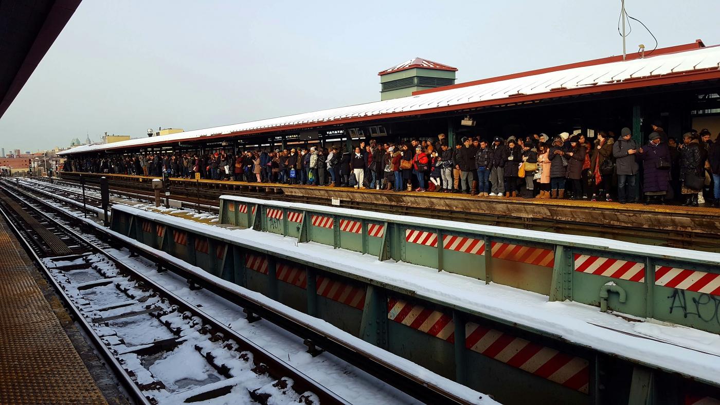 【田螺手机随拍】今天的地铁站、人也是―道景_图1-1
