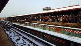 【田螺手机随拍】今天的地铁站、人也是―道