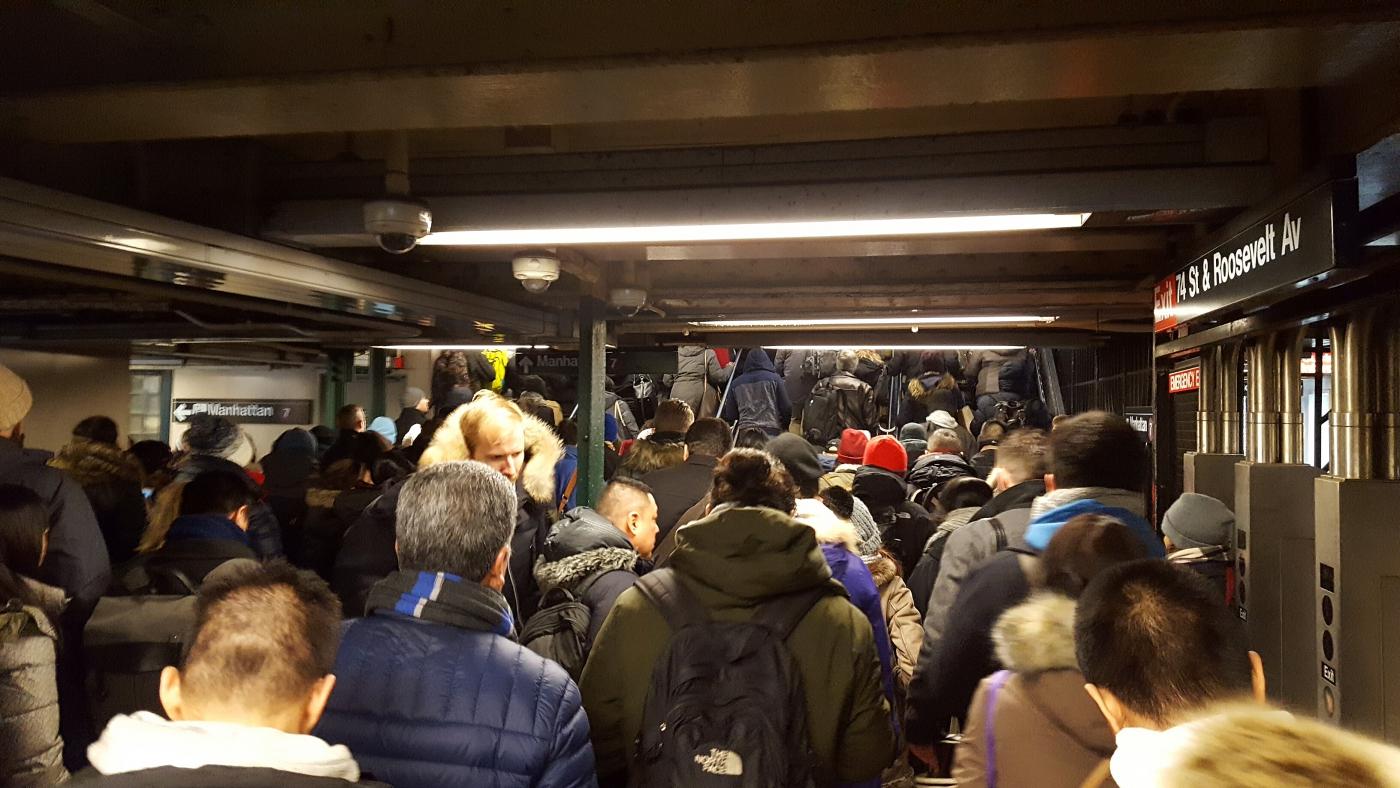 【田螺手机随拍】今天的地铁站、人也是―道景_图1-12