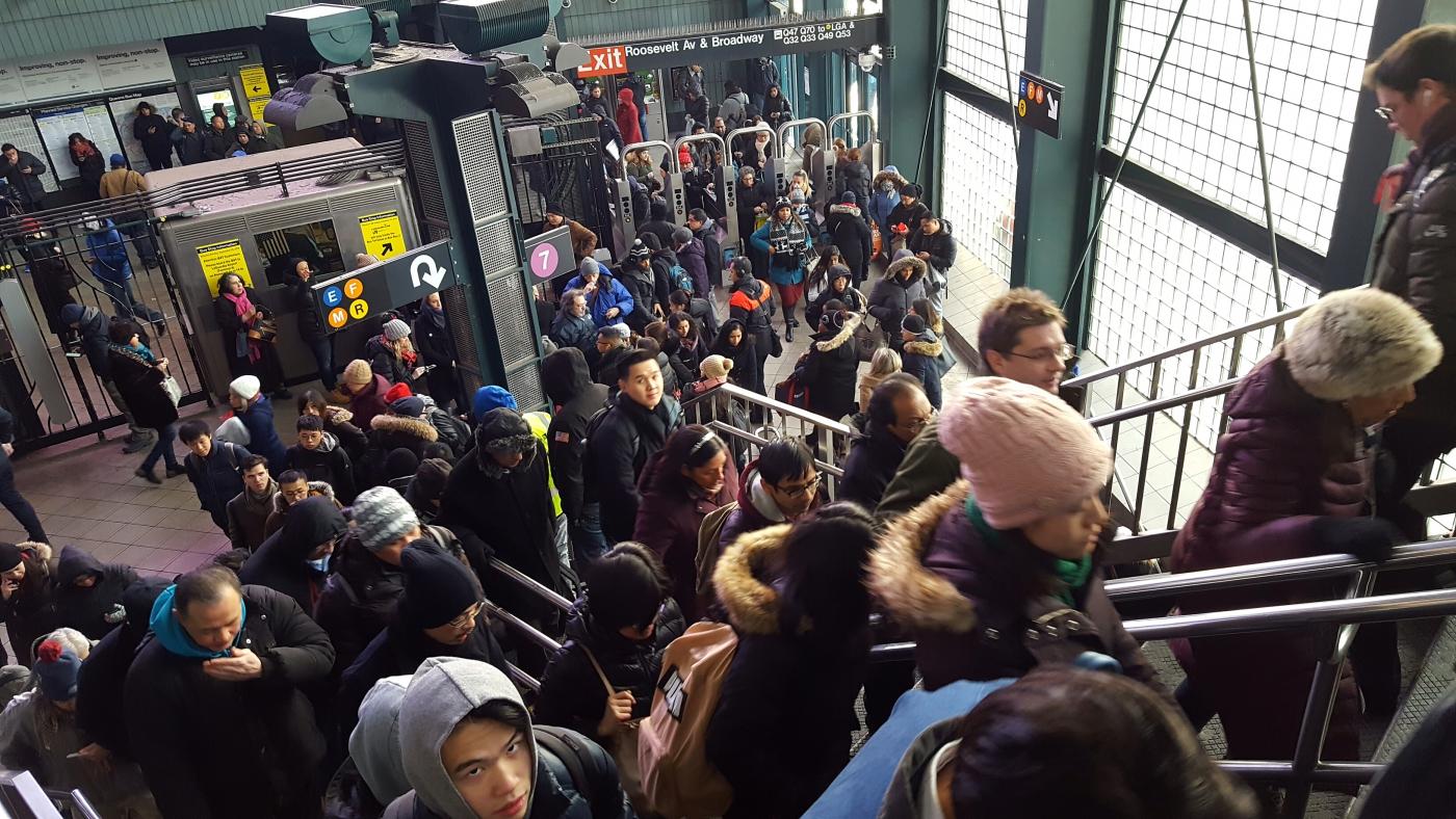 【田螺手机随拍】今天的地铁站、人也是―道景_图1-13