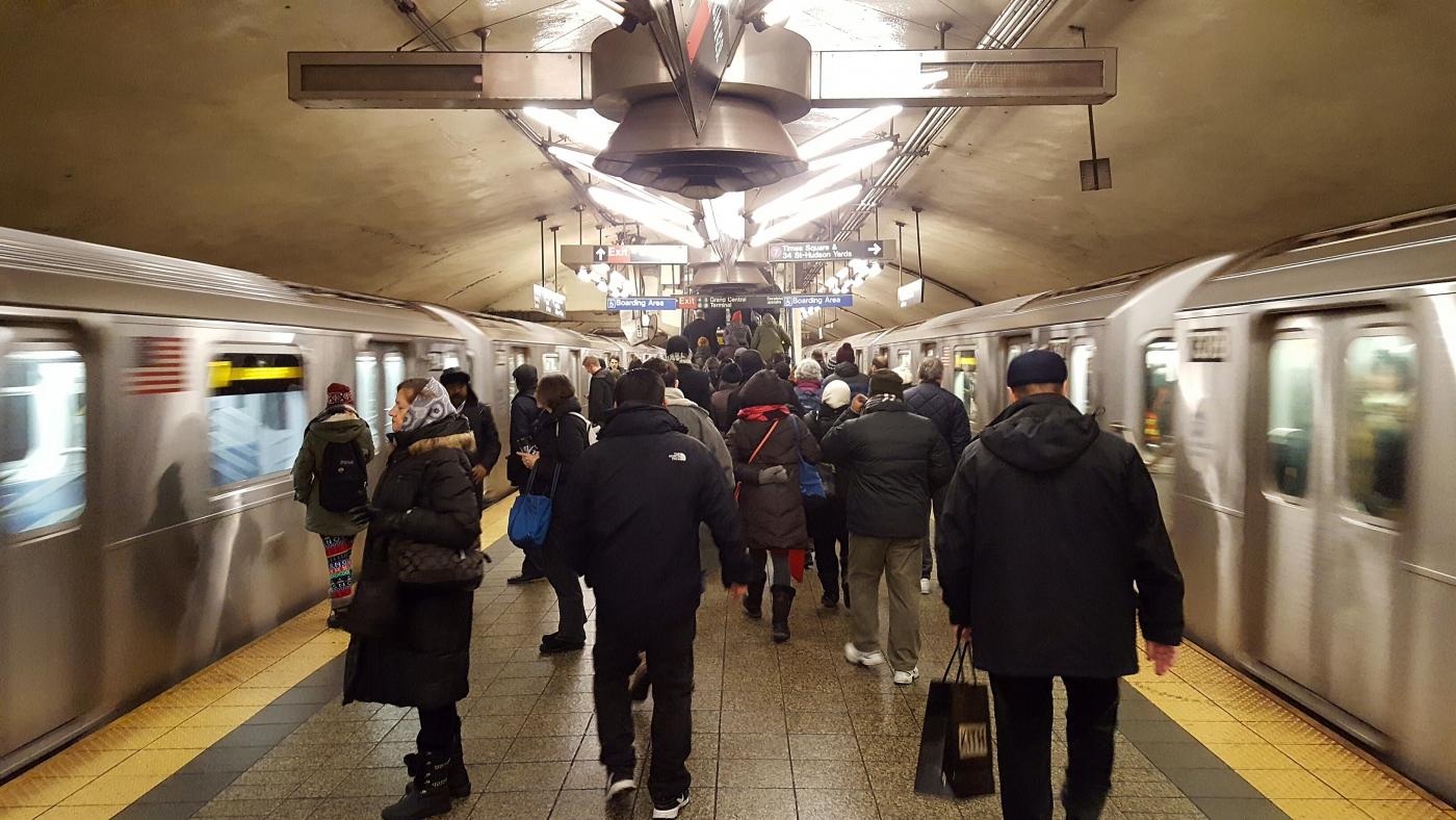 【田螺手机随拍】今天的地铁站、人也是―道景_图1-17
