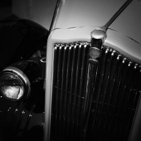 运行近百年的古董老爷旅游车