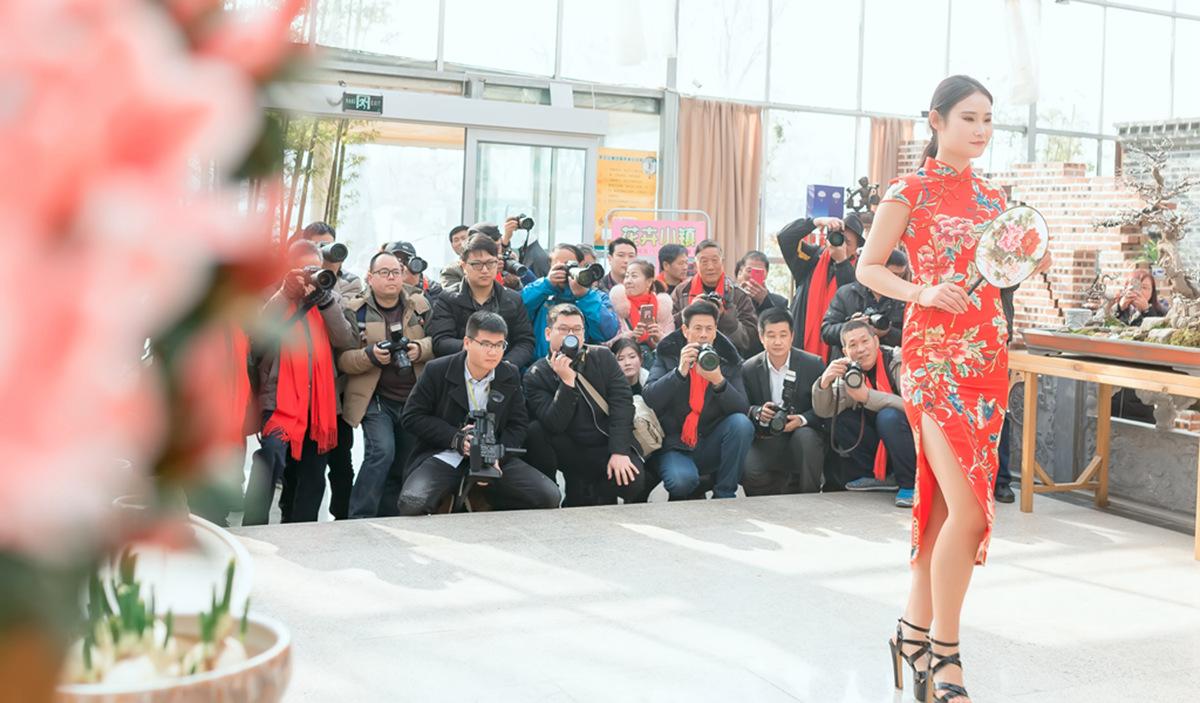 当沂蒙女孩遇到中国人自己的服饰 和摄影人的新年艳遇开始了 ..._图1-1