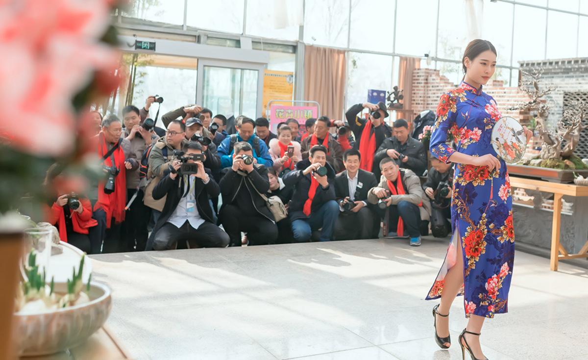 当沂蒙女孩遇到中国人自己的服饰 和摄影人的新年艳遇开始了 ..._图1-2