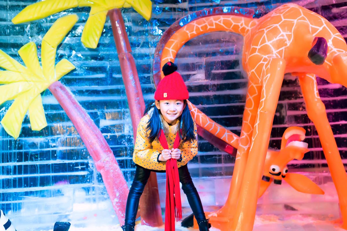 临沂大雪纷飞?萌萌的女孩在冰雪中冻成这个样子 让人心疼呀 ..._图1-9