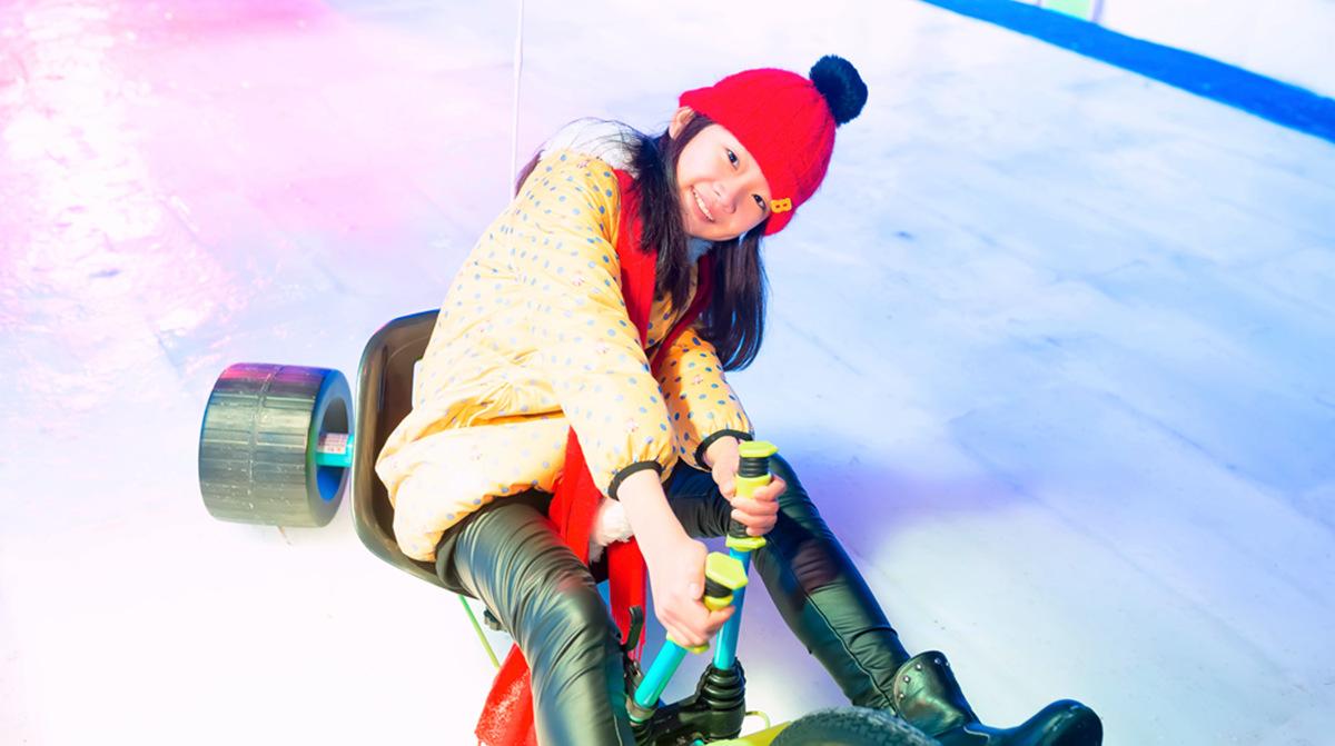 临沂大雪纷飞?萌萌的女孩在冰雪中冻成这个样子 让人心疼呀 ..._图1-16