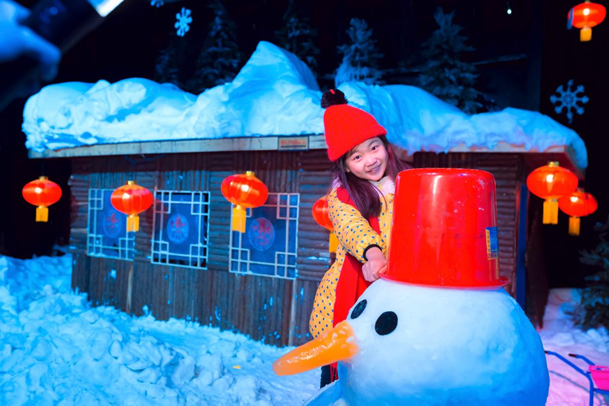 临沂大雪纷飞?萌萌的女孩在冰雪中冻成这个样子 让人心疼呀 ..._图1-20