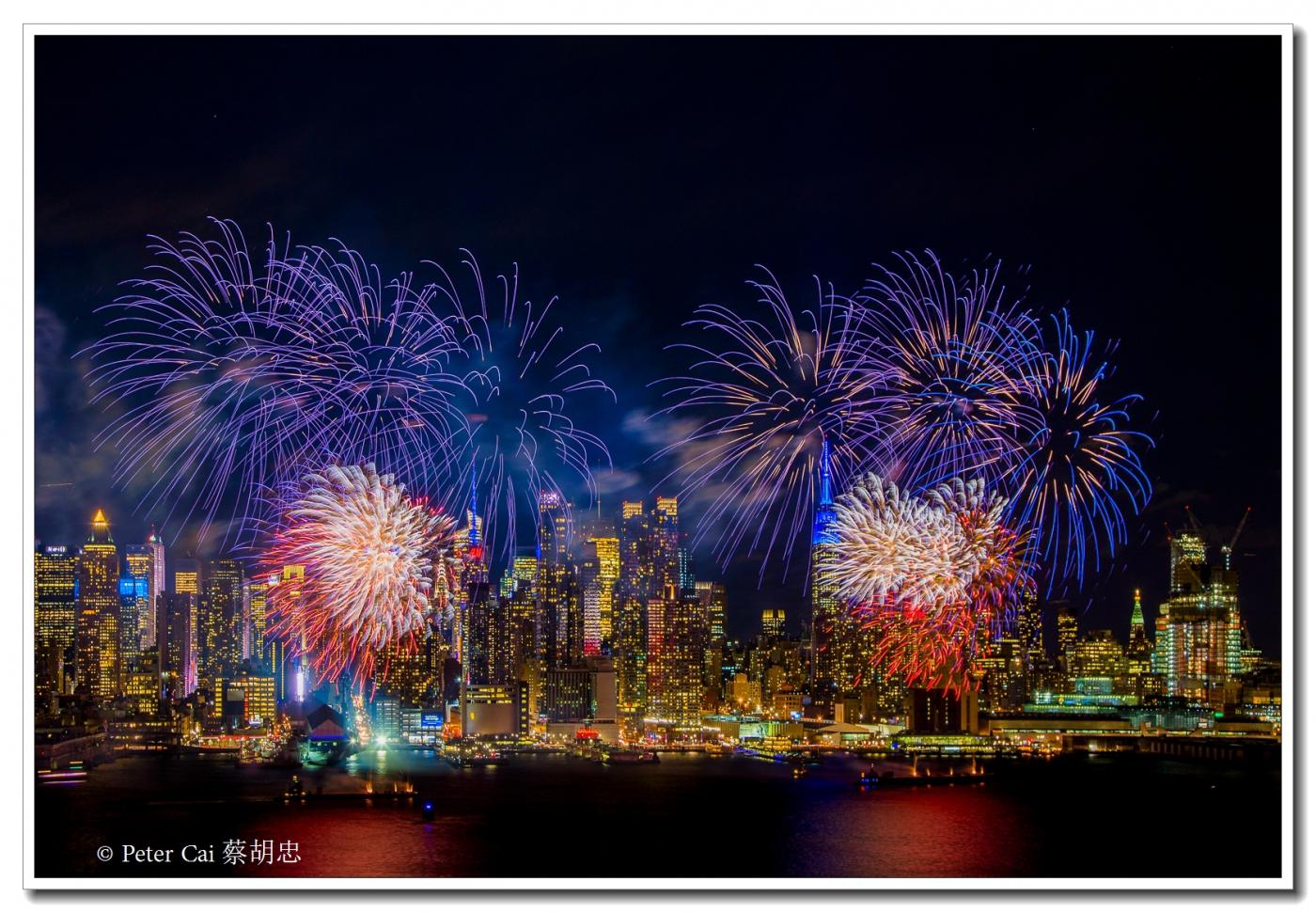 为庆祝中国新年, 纽约昨天晚上盛放焰火_图1-1