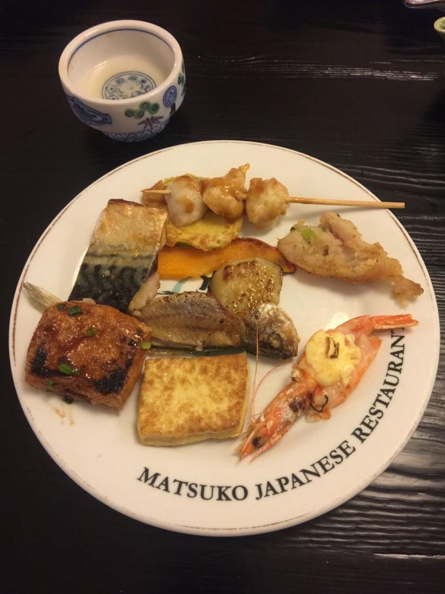 鸡年大年初一排队吃饭_图1-6