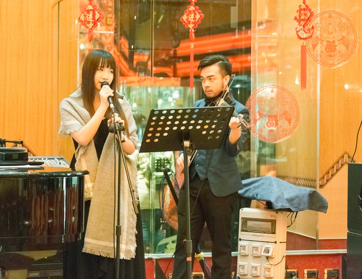 新春邮轮航海日记之一--酒吧里驻场的马来西亚女孩_图1-2