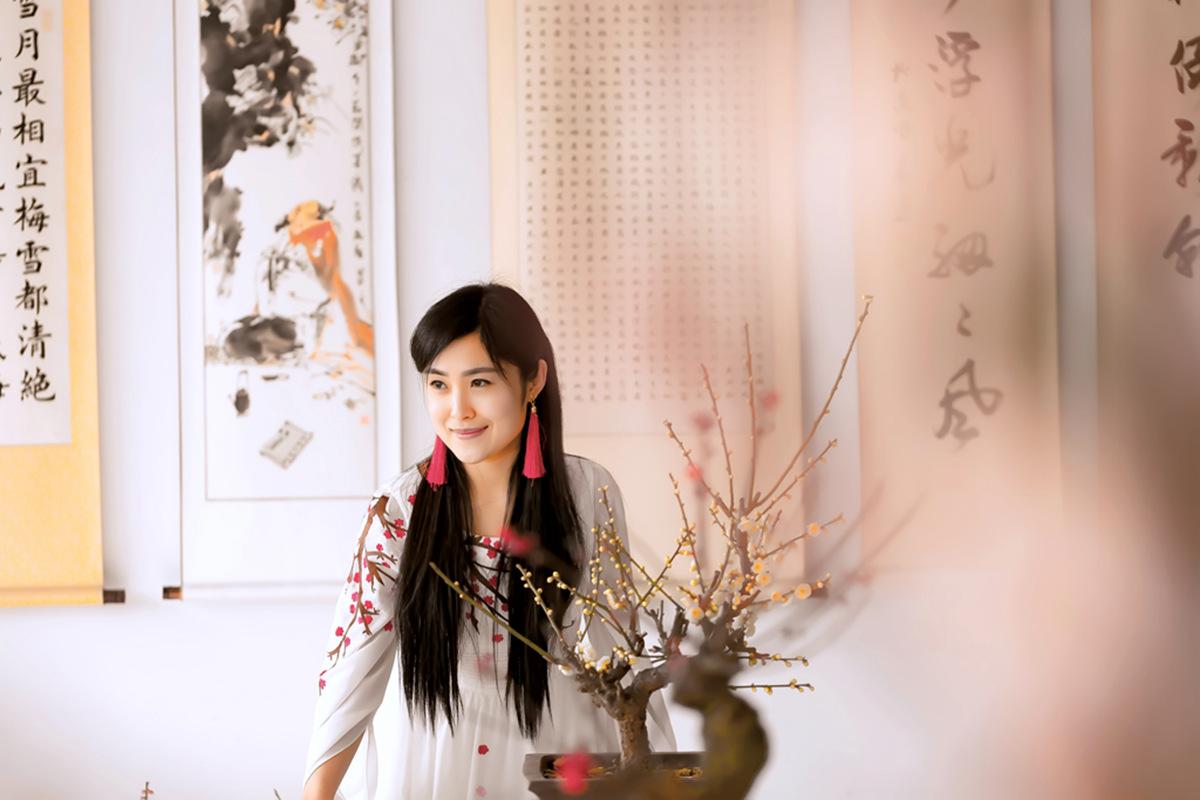 春晚弹奏古筝的沂水女孩是她呀 还和刘能搭戏今天邂逅梅园_图1-8