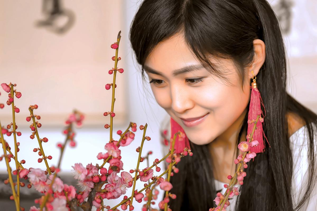 春晚弹奏古筝的沂水女孩是她呀 还和刘能搭戏今天邂逅梅园_图1-14