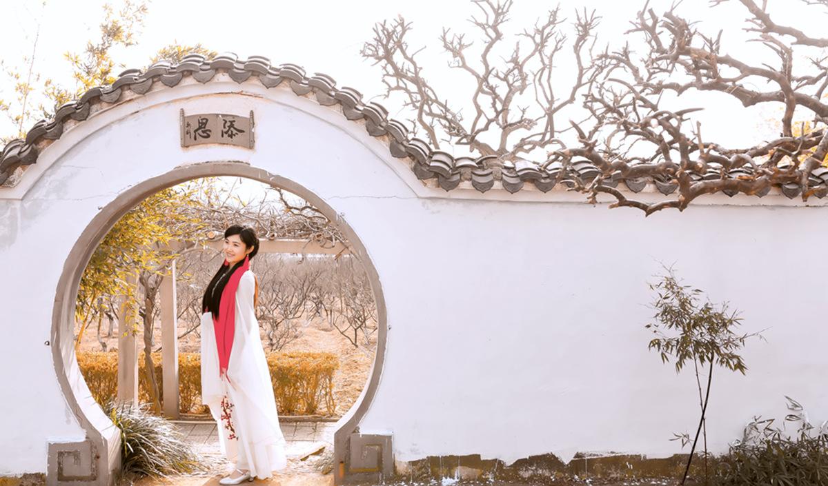 春晚弹奏古筝的沂水女孩是她呀 还和刘能搭戏今天邂逅梅园_图1-16
