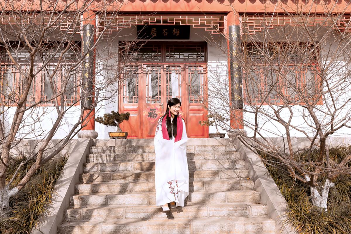 春晚弹奏古筝的沂水女孩是她呀 还和刘能搭戏今天邂逅梅园_图1-18