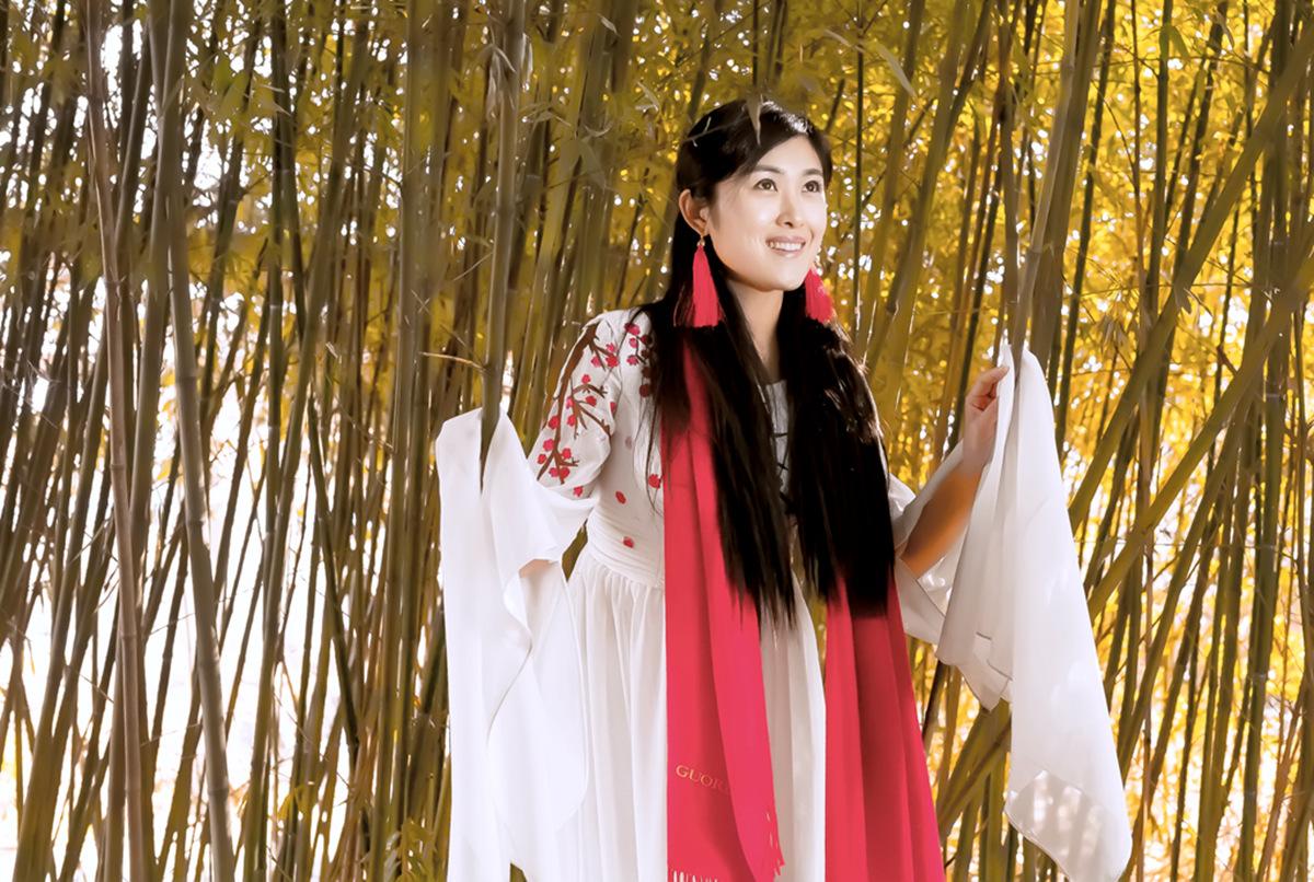 春晚弹奏古筝的沂水女孩是她呀 还和刘能搭戏今天邂逅梅园_图1-19