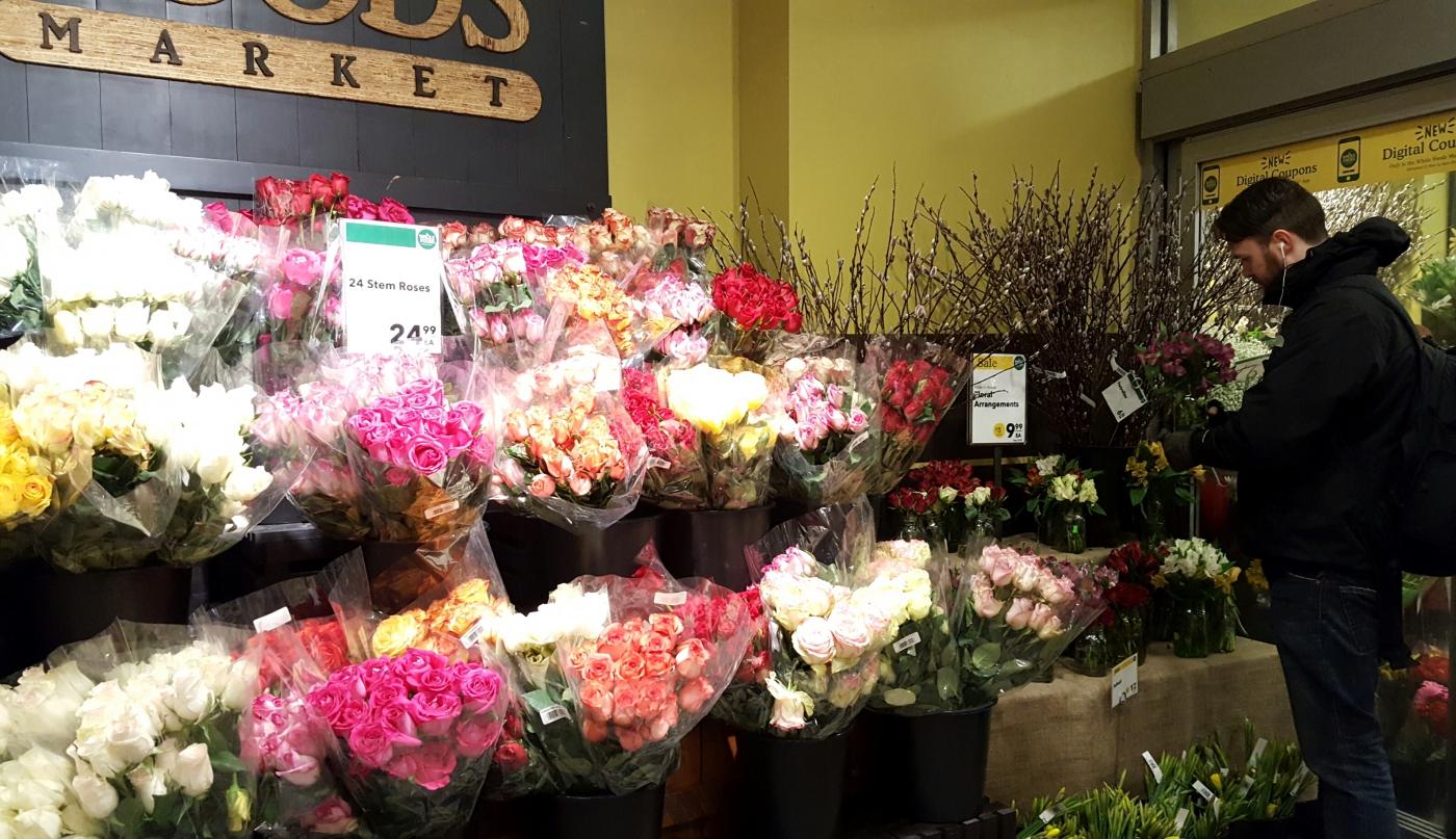 【田螺摄影】逛超市随拍情人节的玫瑰花_图1-8