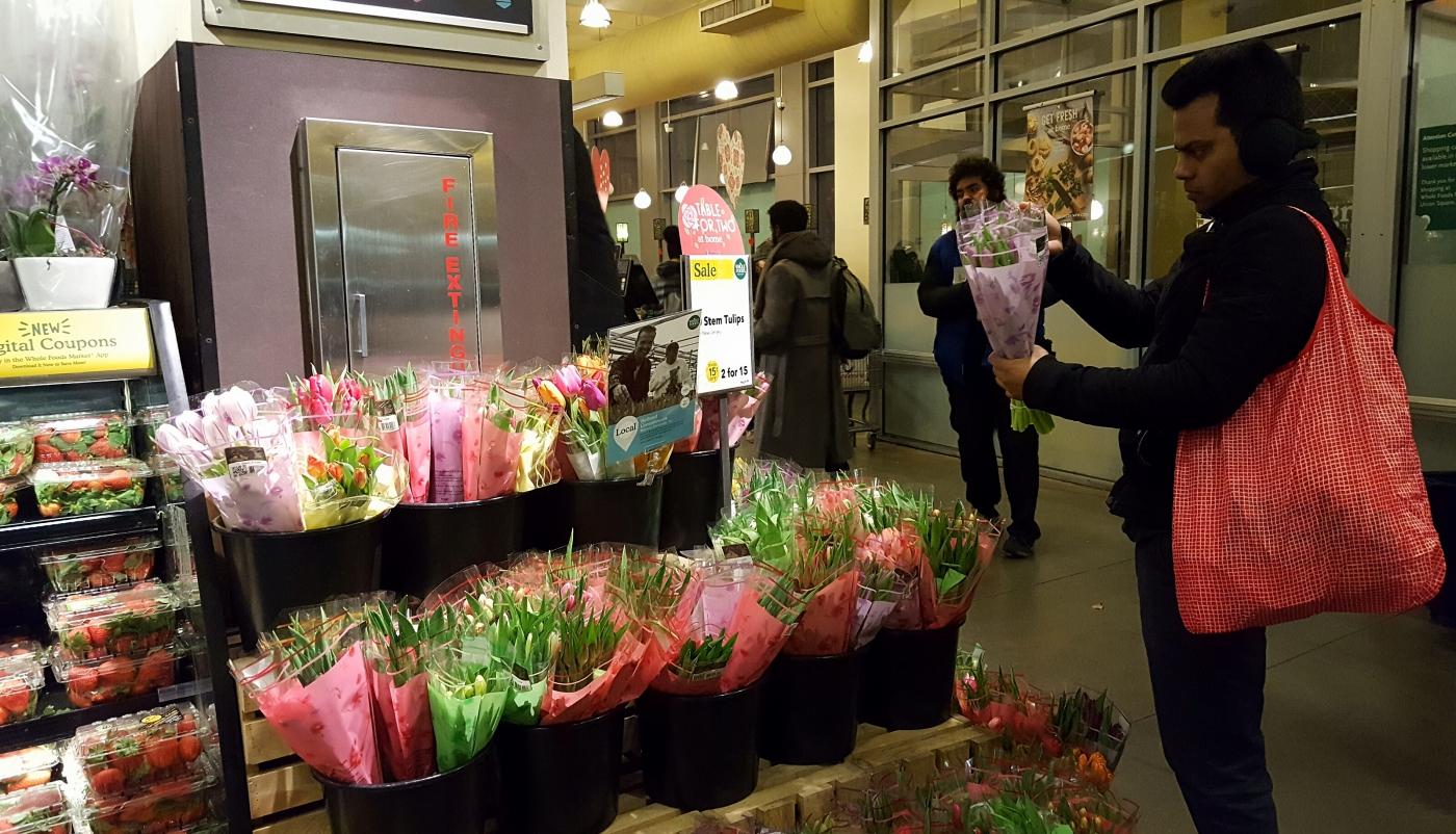 【田螺摄影】逛超市随拍情人节的玫瑰花_图1-17