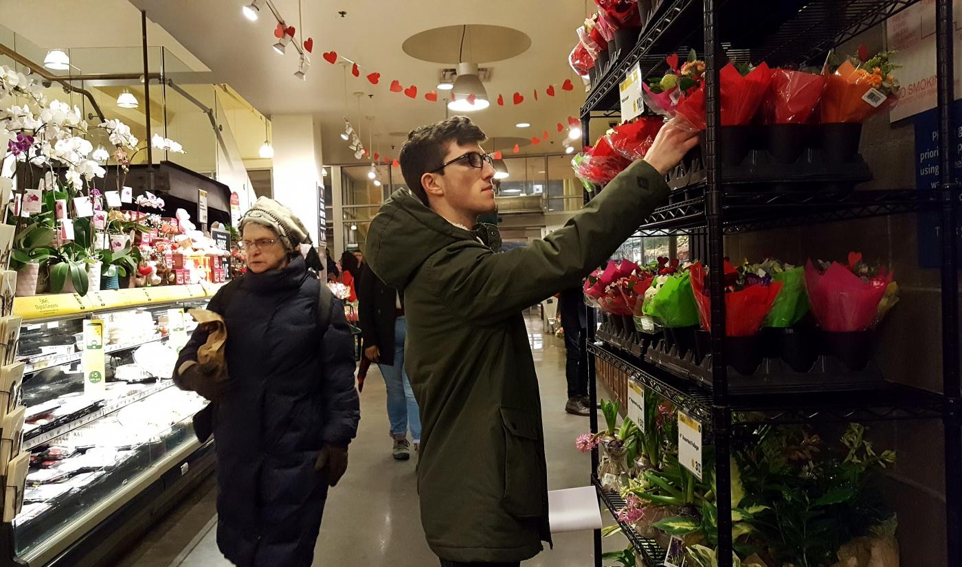 【田螺摄影】逛超市随拍情人节的玫瑰花_图1-20