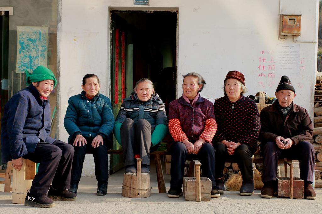 情系老区,福送农家,关爱山区父老乡亲免费拍摄全家福_图1-24