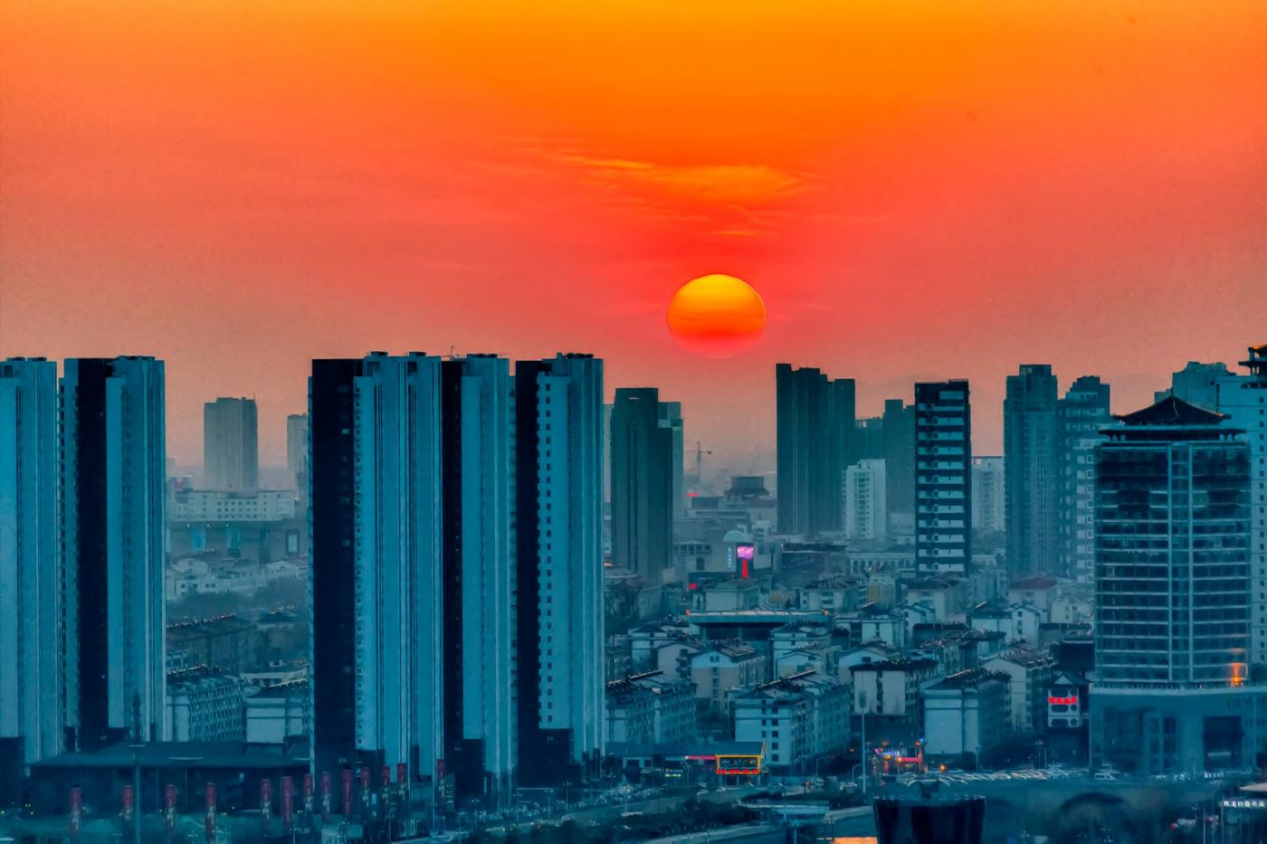 你看到今天临沂上空的夕阳吗 在HDR模式下是这个样子 有点炫_图1-1