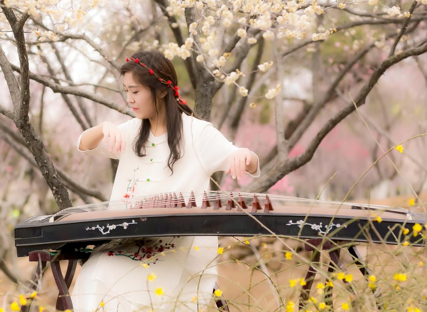 沂水雪山梅园走来一群赏梅踏春的沂蒙女孩 摄影人和女孩们成为梅园一道亮丽的风景线 ..._图1-15