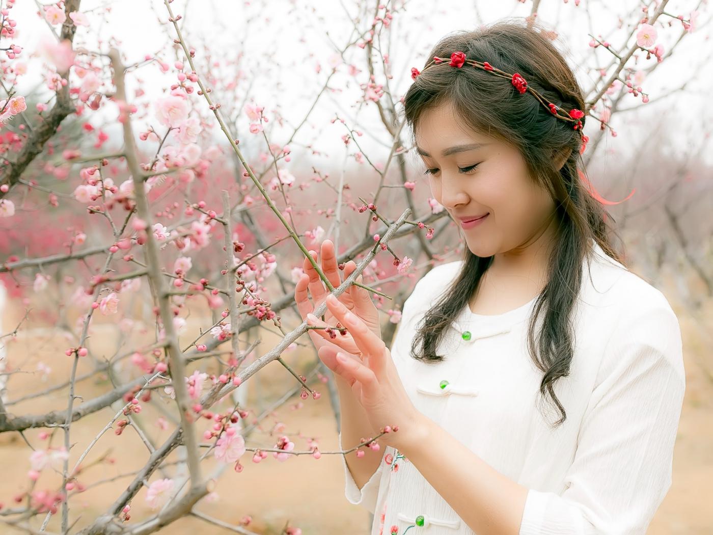 沂水雪山梅园走来一群赏梅踏春的沂蒙女孩 摄影人和女孩们成为梅园一道亮丽的风景线 ..._图1-20