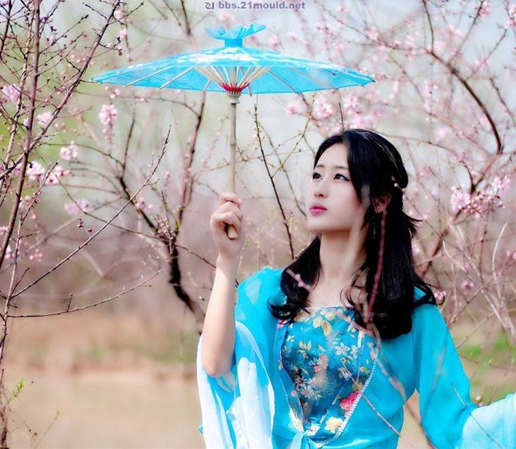 人面桃花相映红的故事_图1-6