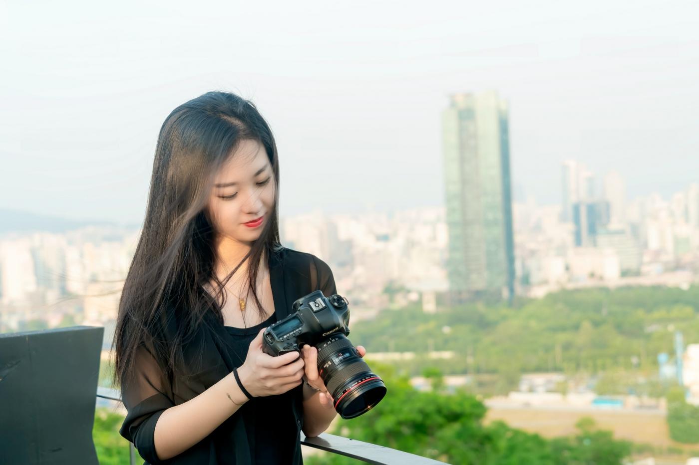 我所见过的最漂亮的女摄影师 姑娘的摄影是舞蹈老师教的吧_图1-12