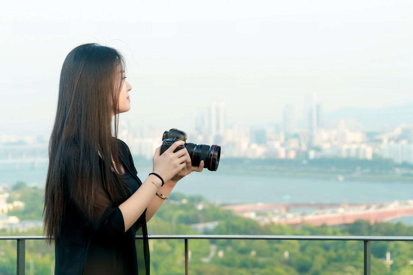 我所见过的最漂亮的女摄影师 姑娘的摄影是舞蹈老师教的吧_图1-16