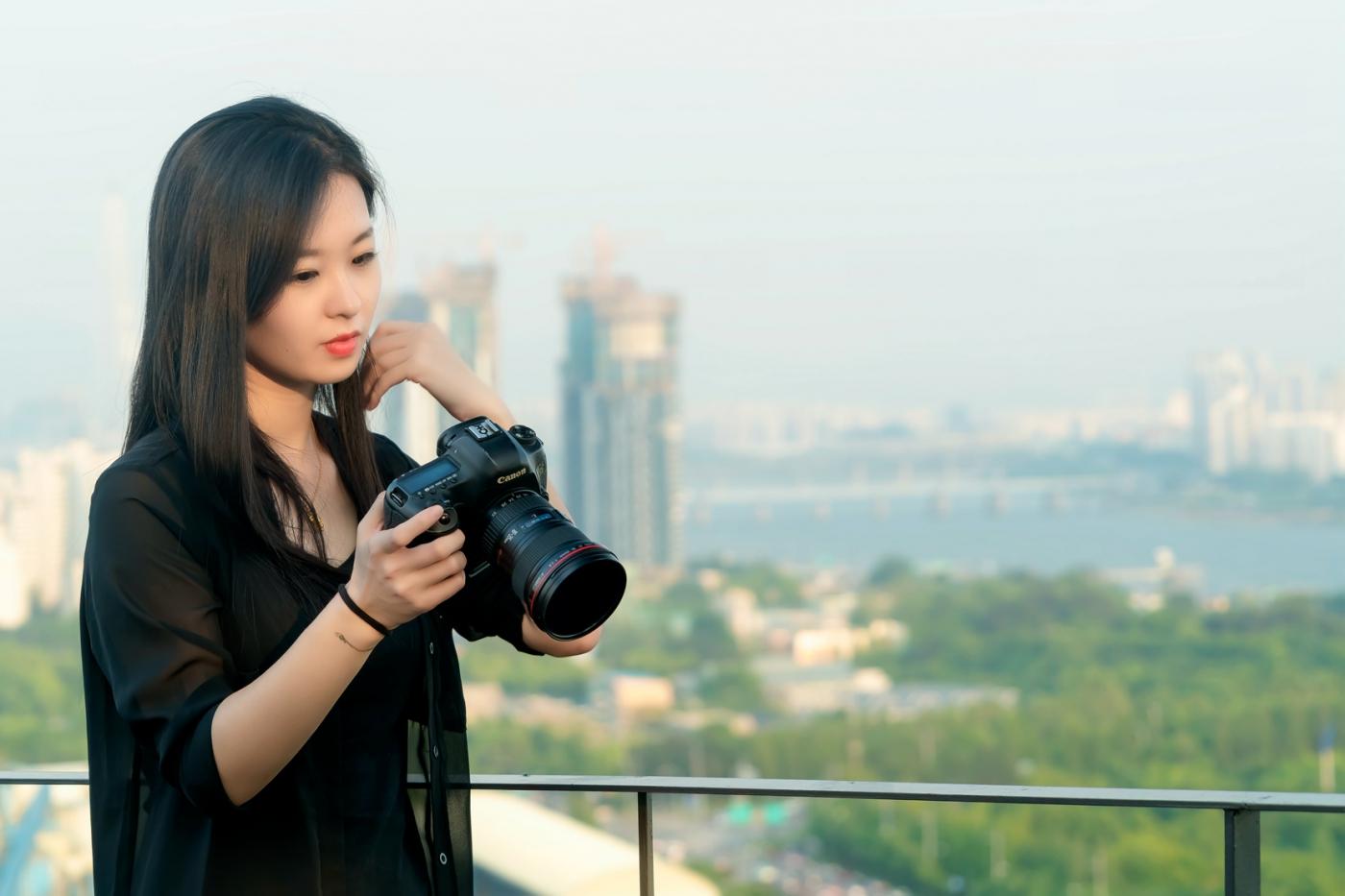 我所见过的最漂亮的女摄影师 姑娘的摄影是舞蹈老师教的吧_图1-14
