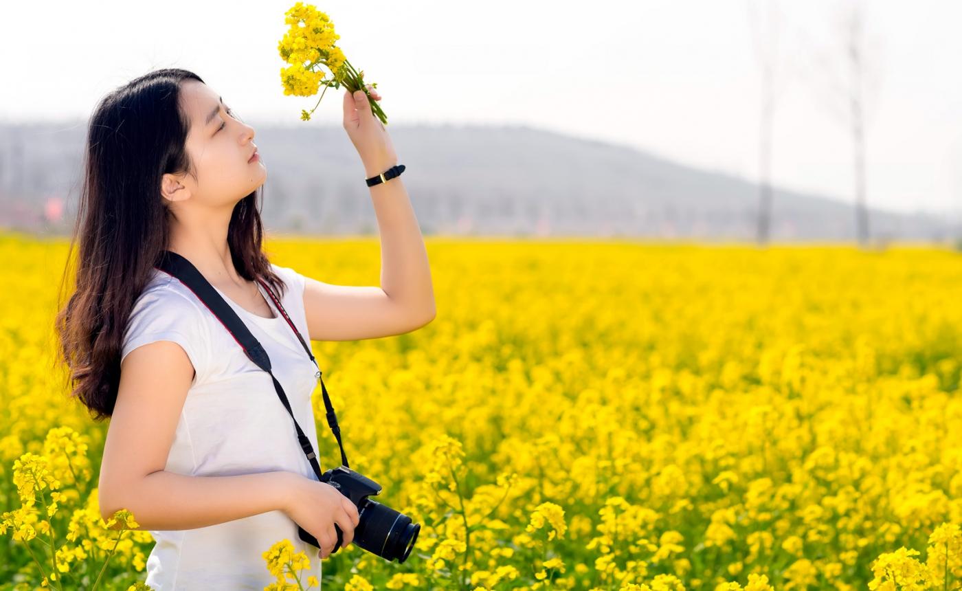 清明时节踏春的临沂女孩们_图1-2