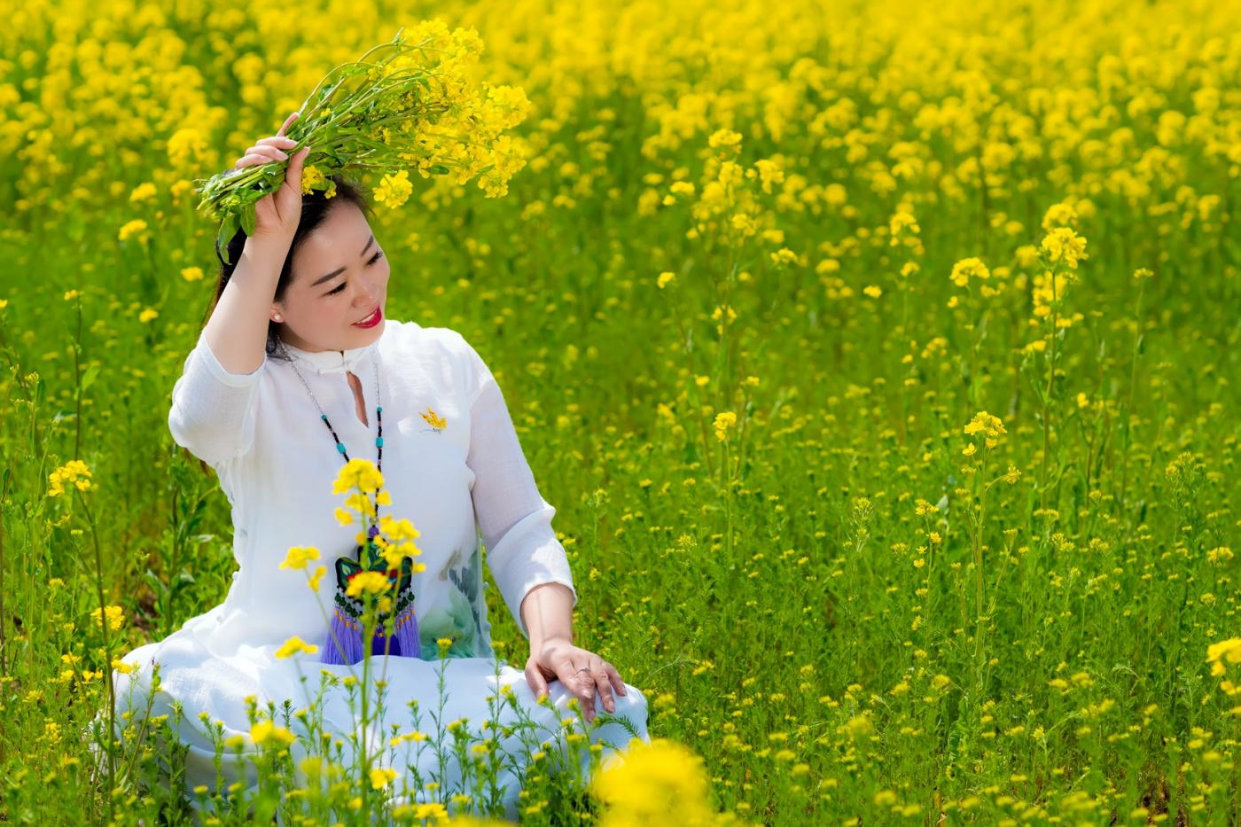 清明时节踏春的临沂女孩们_图1-8