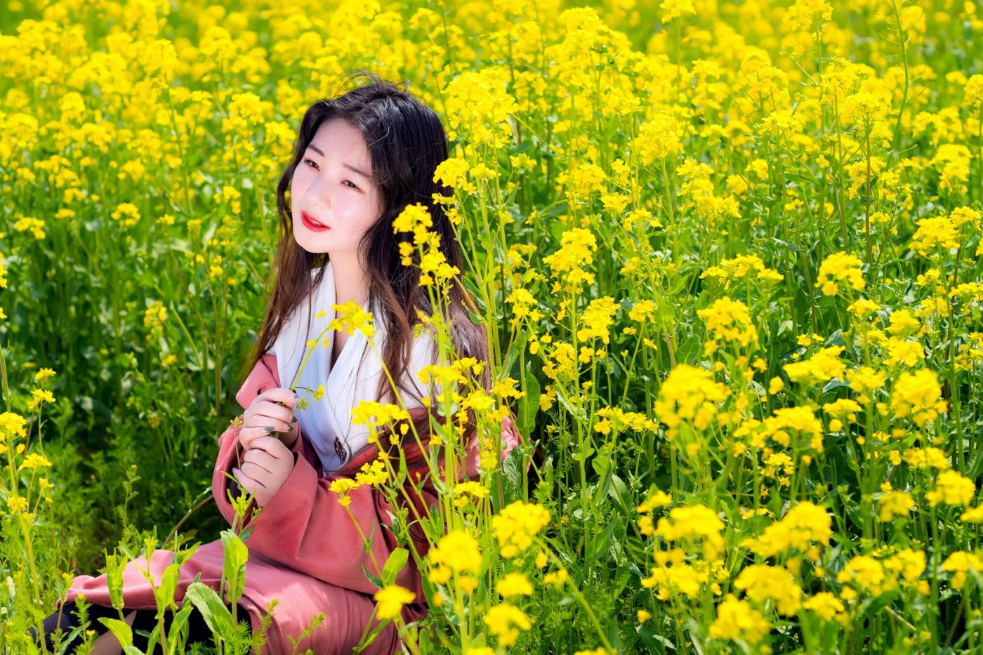 清明时节踏春的临沂女孩们_图1-11