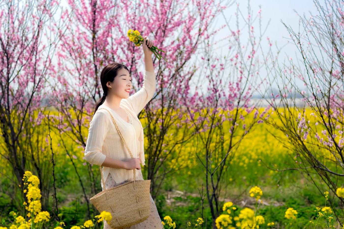 清明时节踏春的临沂女孩们_图1-14