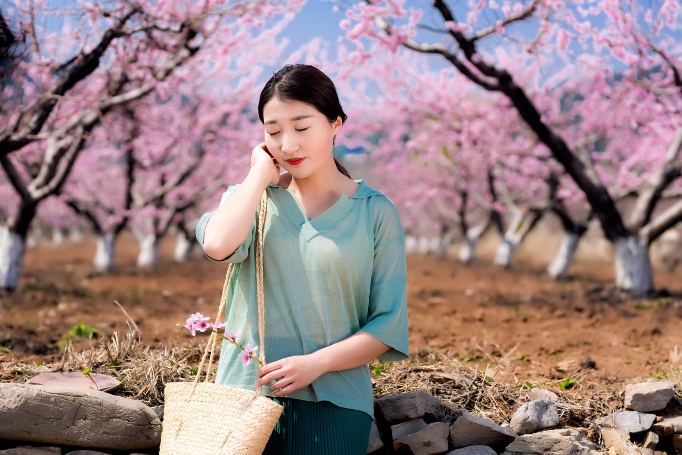 清明时节踏春的临沂女孩们_图1-22