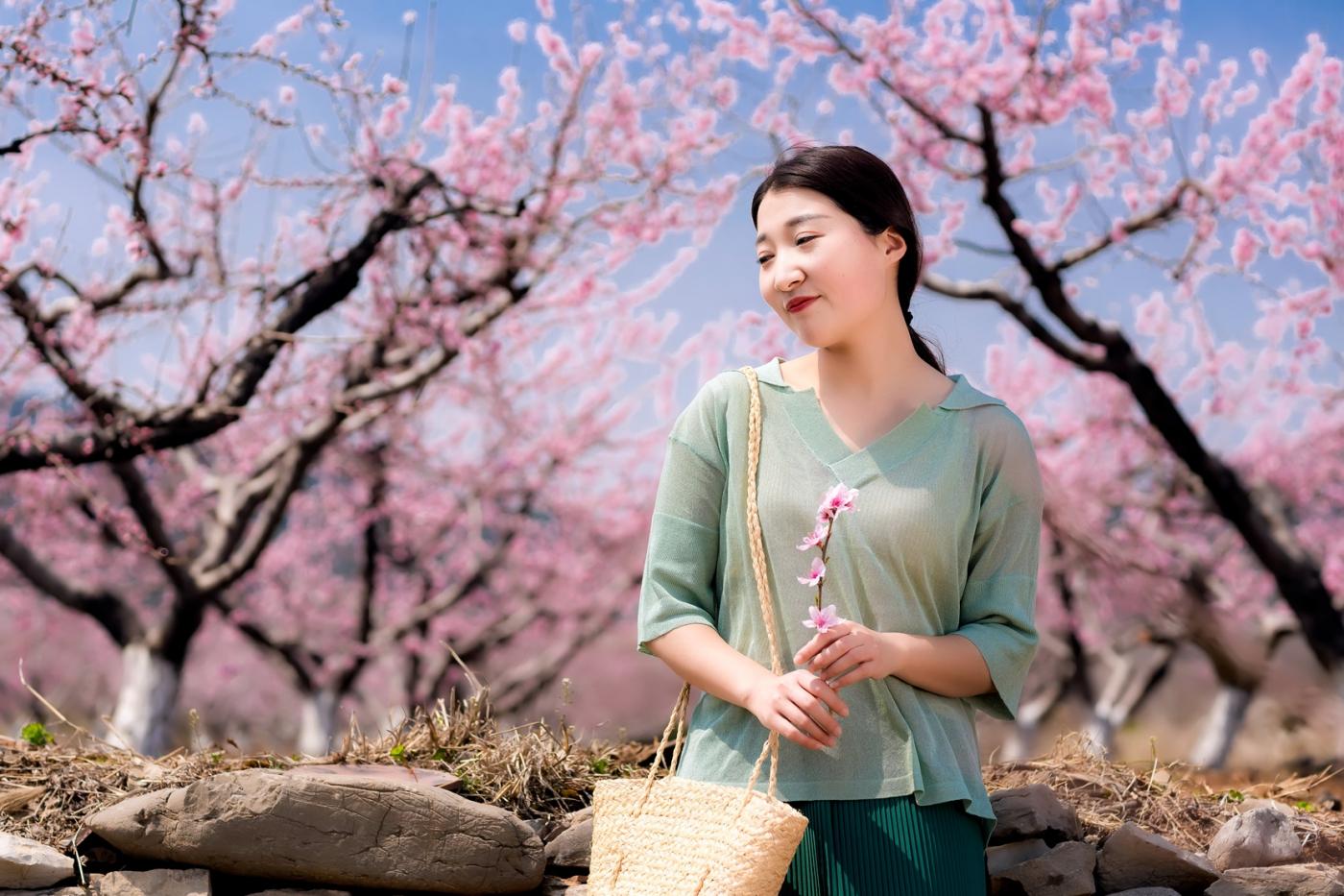 清明时节踏春的临沂女孩们_图1-24