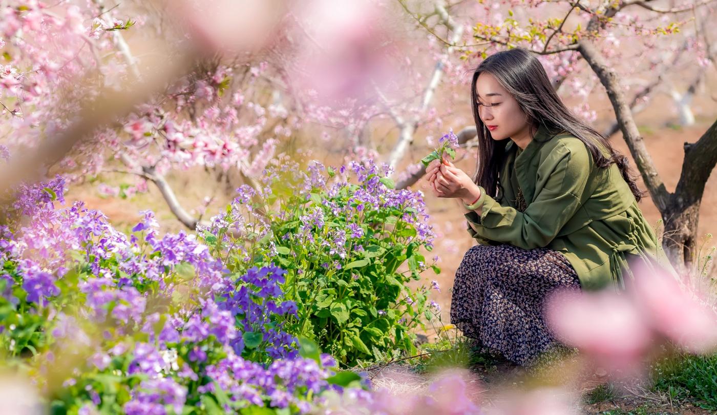 清明时节踏春的临沂女孩们_图1-25