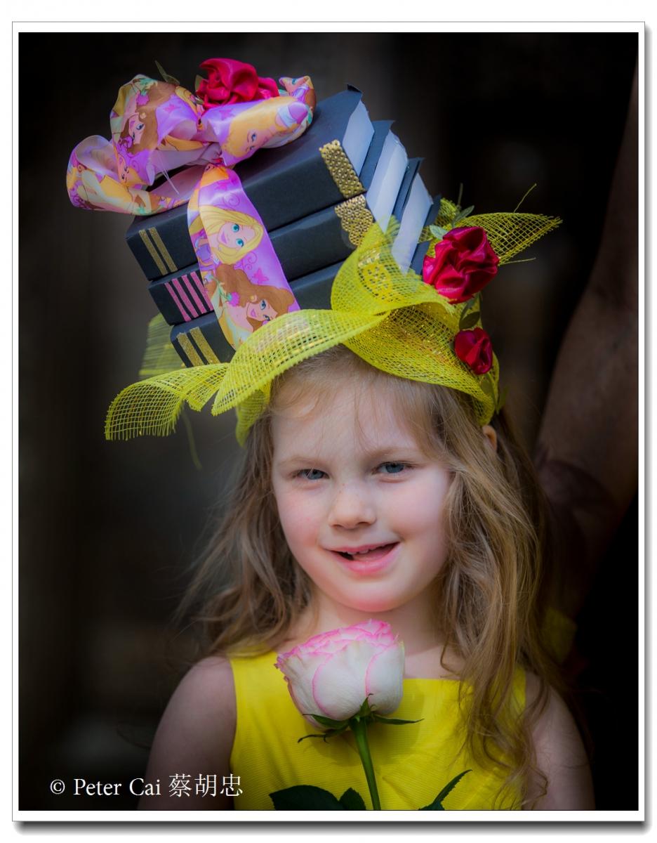 """纽约复活节游行,上演""""最新奇别致的帽子""""_图1-2"""