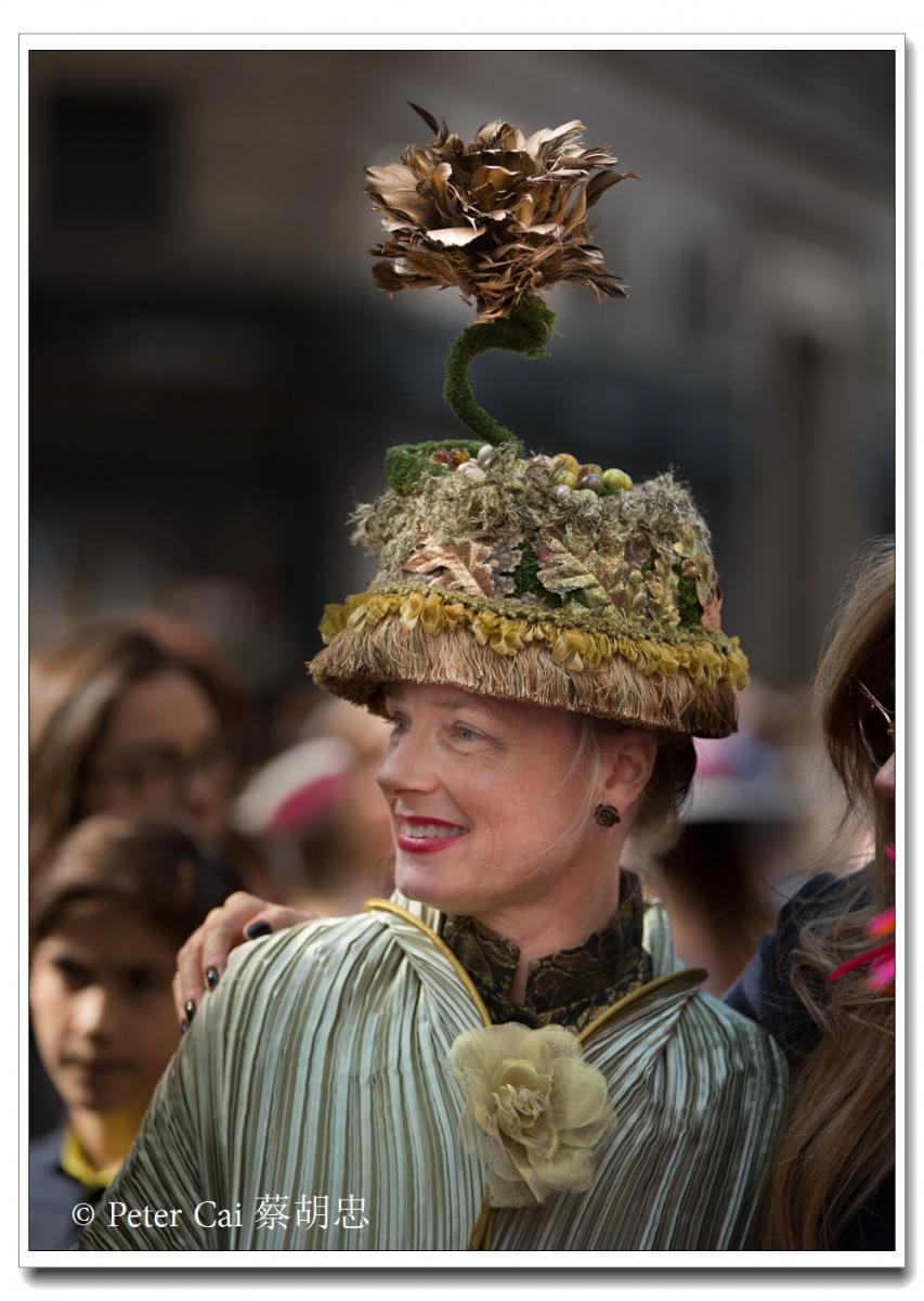 """纽约复活节游行,上演""""最新奇别致的帽子""""_图1-3"""