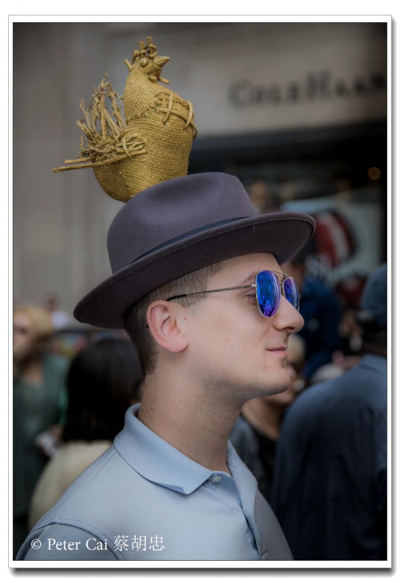 """纽约复活节游行,上演""""最新奇别致的帽子""""_图1-7"""