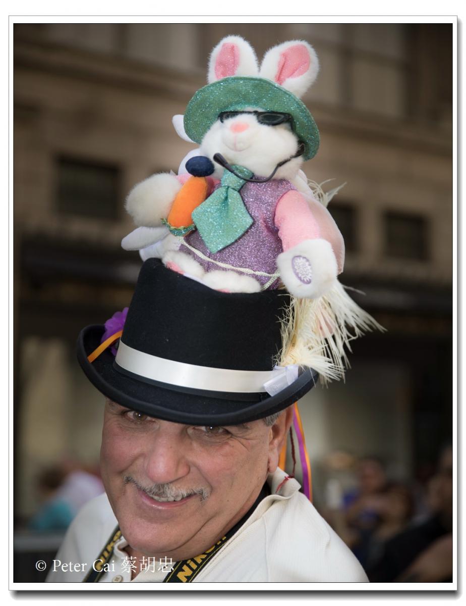"""纽约复活节游行,上演""""最新奇别致的帽子""""_图1-17"""