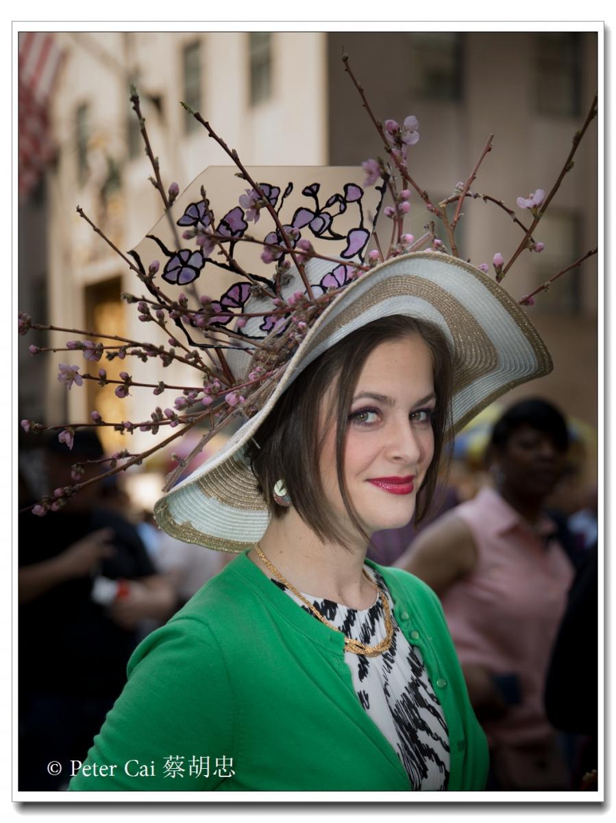 """纽约复活节游行,上演""""最新奇别致的帽子""""_图1-19"""