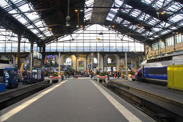 里昂火车站与攴厅_图1-8