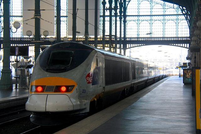 里昂火车站与攴厅_图1-29