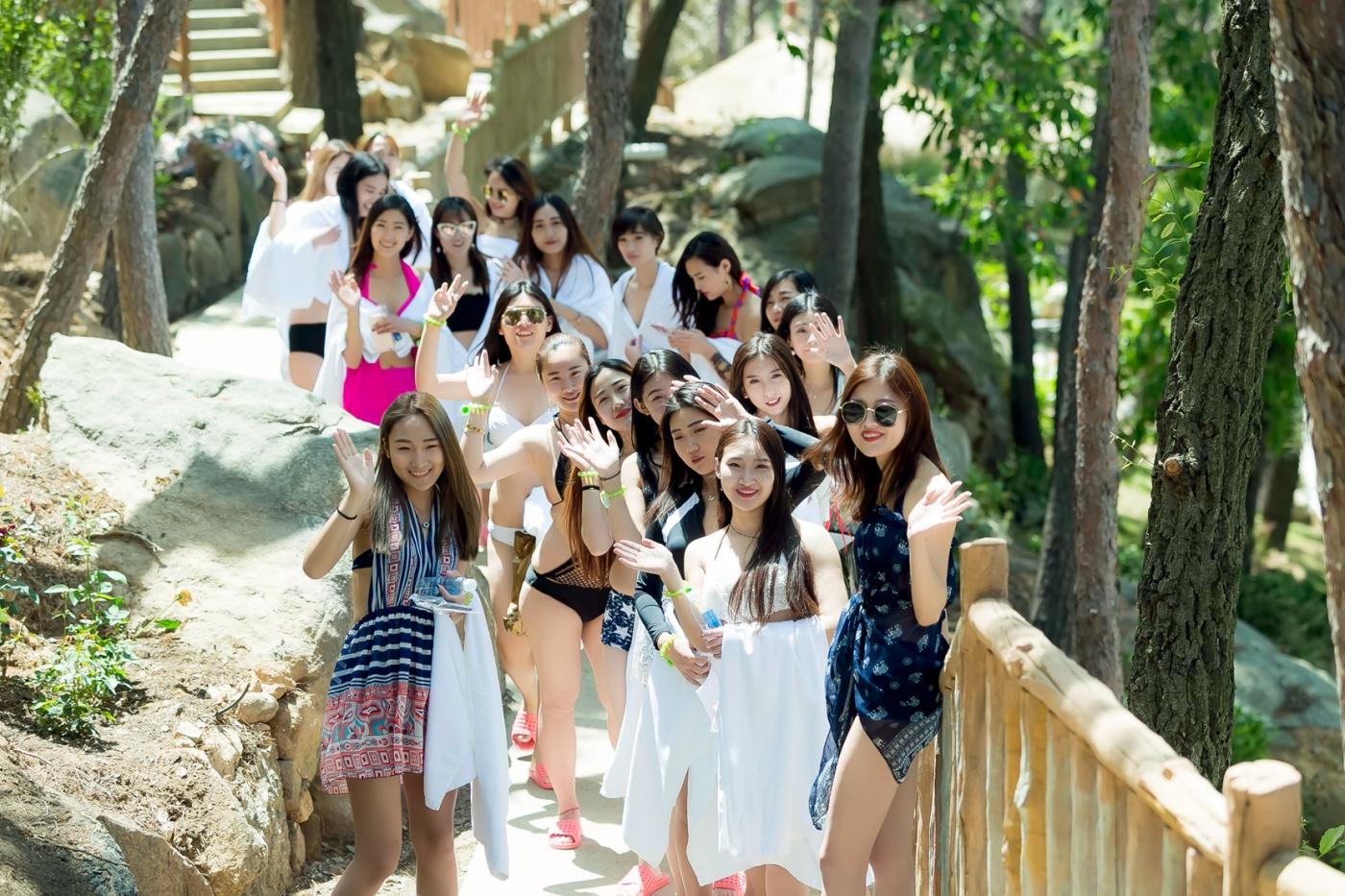 在临沂蒙山康谷温泉 与22位泳装女孩相遇在这里_图1-23