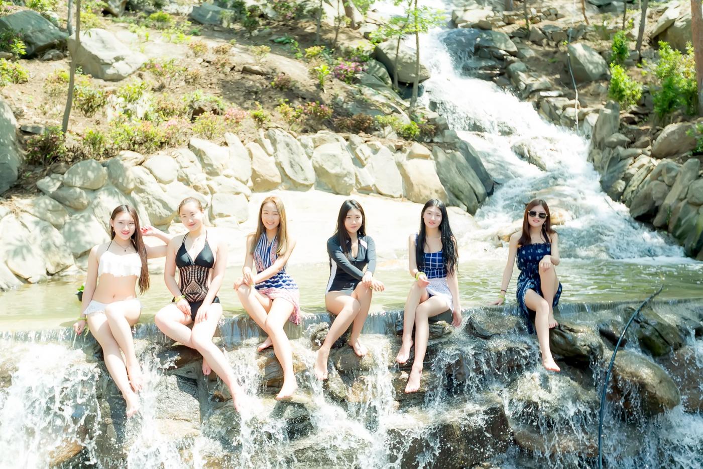 在临沂蒙山康谷温泉 与22位泳装女孩相遇在这里_图1-24