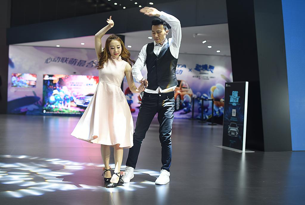 梦之工厂:香车美女汇集上海国际车展_图1-7