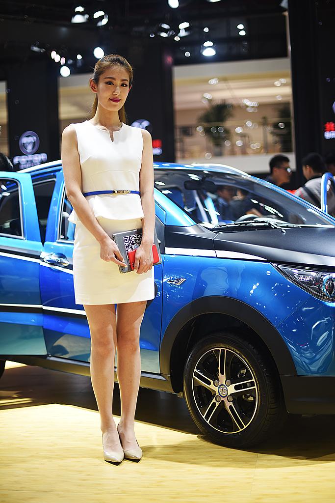 梦之工厂:香车美女汇集上海国际车展_图1-9